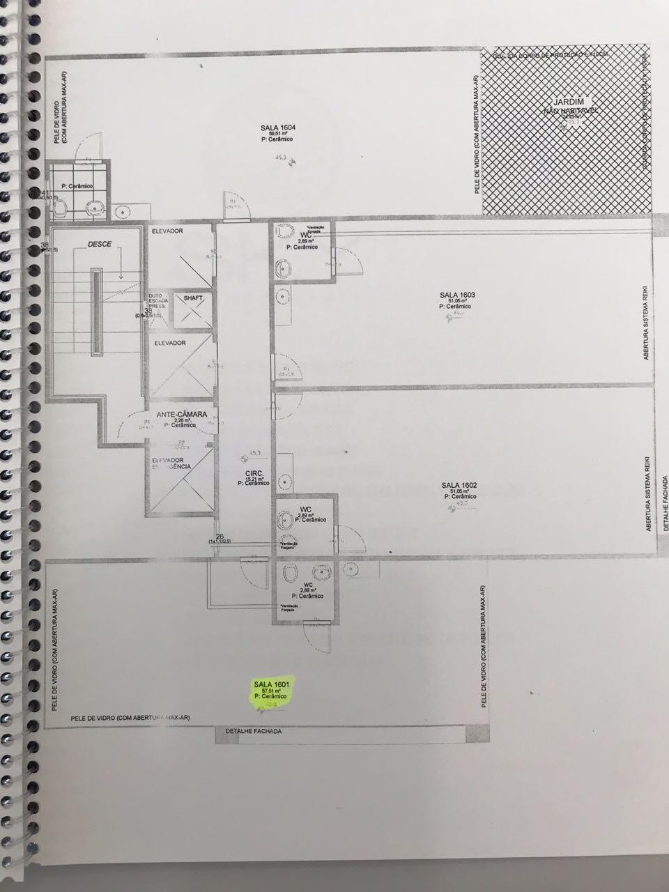 Sala Comercial, edifício com salão de festas, auditório e salas de reunião.-104828