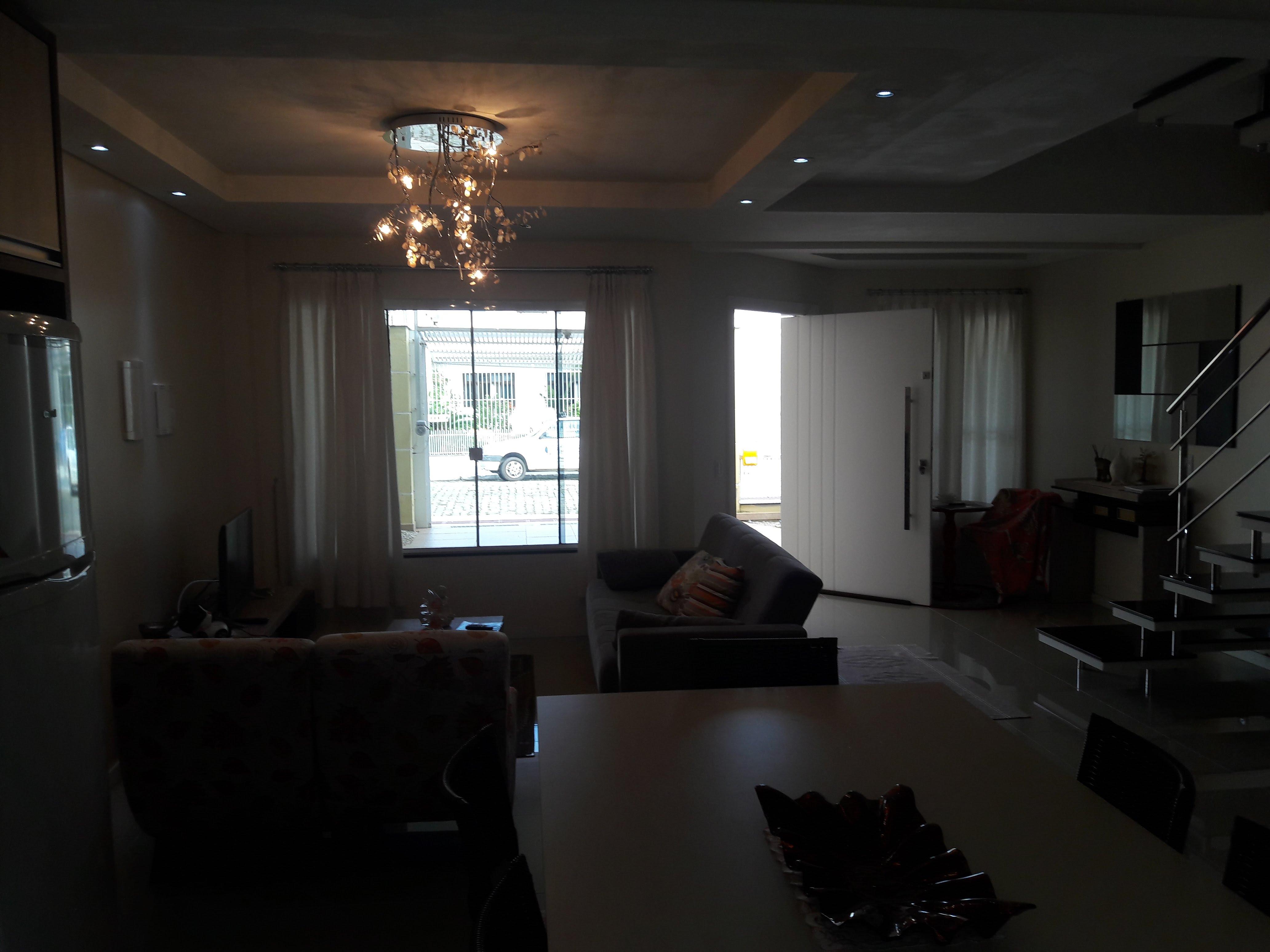 Casa com 3 Pavimentos, 3 Suítes, 2 Vagas e Terraço-104776