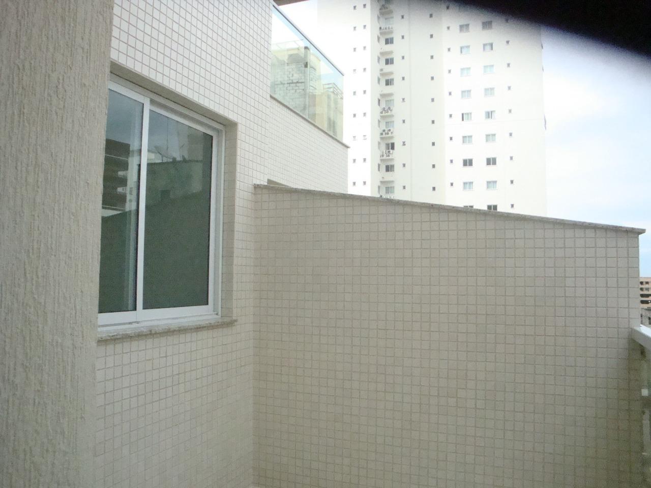 Um Belo apartamento com 3 suítes com hidro!-104816