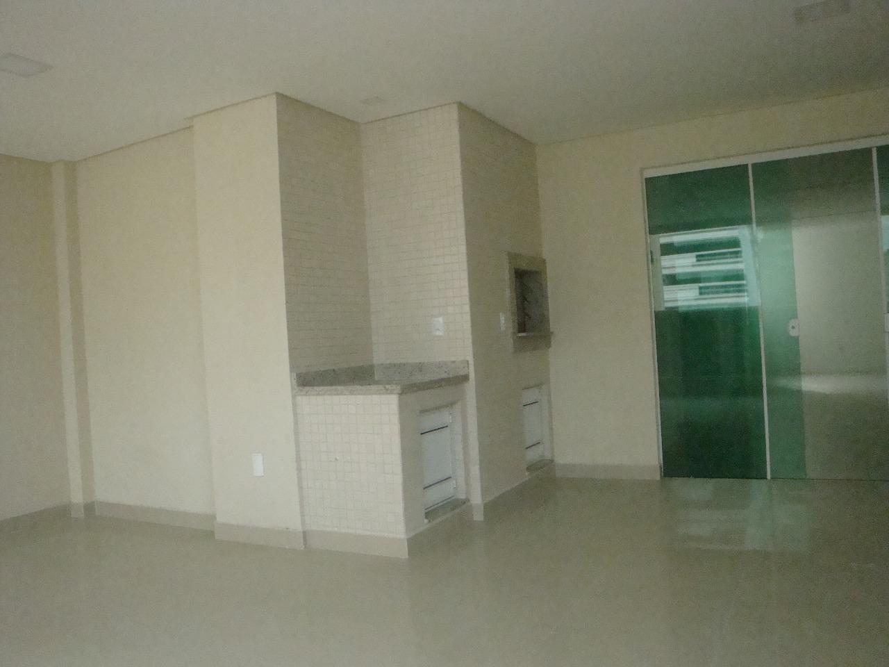Um Belo apartamento com 3 suítes com hidro!-104815
